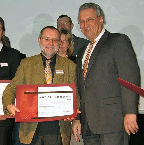 Albert Waigand bei der Verleihung der Auszeichnung durch Staatsminister Joachim Herrmann in Iphofen